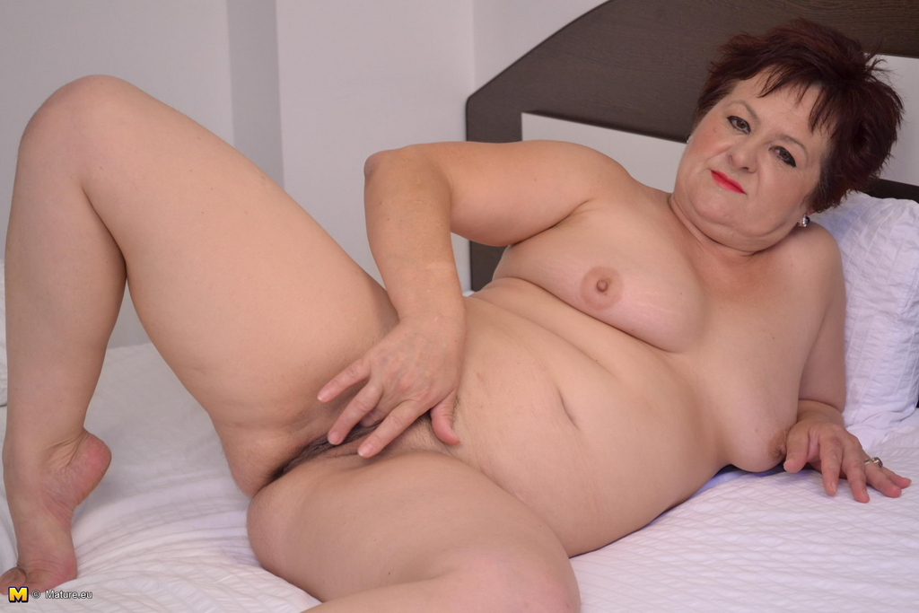 Mature house wives only video